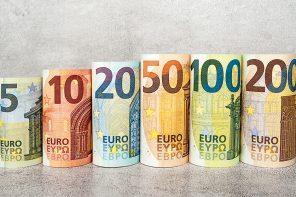 Скачки курсов валют «накаляют» вторичный рынок жилья