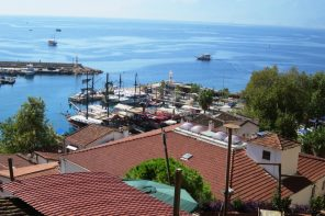 Что можно купить у моря в Турции дешевле 3 млн рублей?