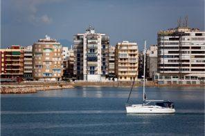 Сколько стоит поселиться в самом русском городе Испании?